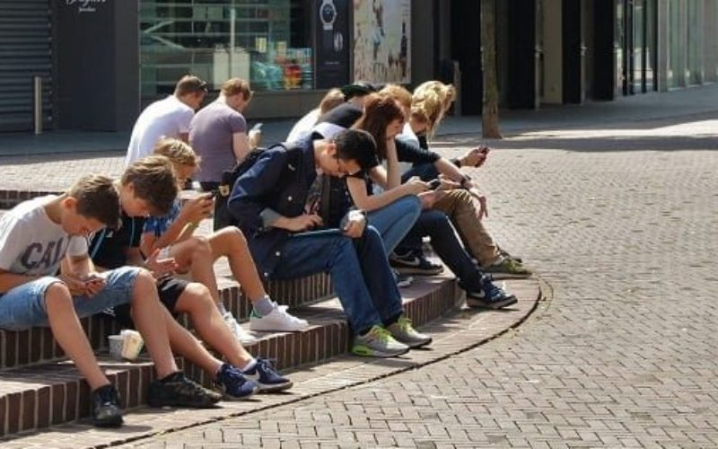 Estudio sobre adolescentes e internet
